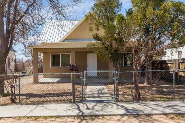 721 EDITH Boulevard SE, Albuquerque, NM 87102