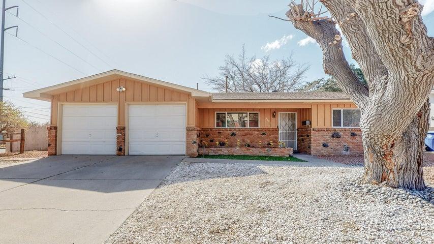 1401 MOON Street NE, Albuquerque, NM 87112