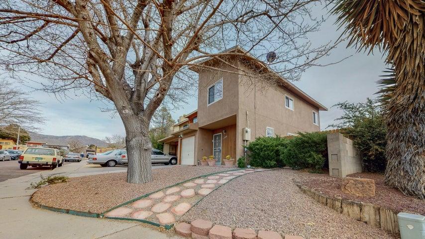 11900 LOMBARD Lane NE, Albuquerque, NM 87123