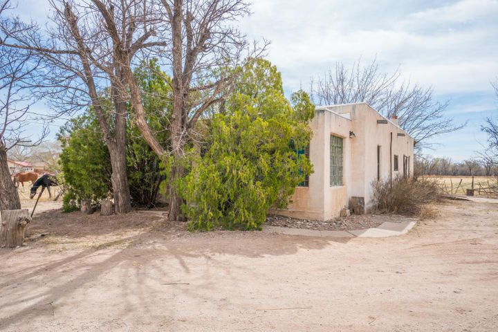 2220 Muniz Road SW, Albuquerque, NM 87105