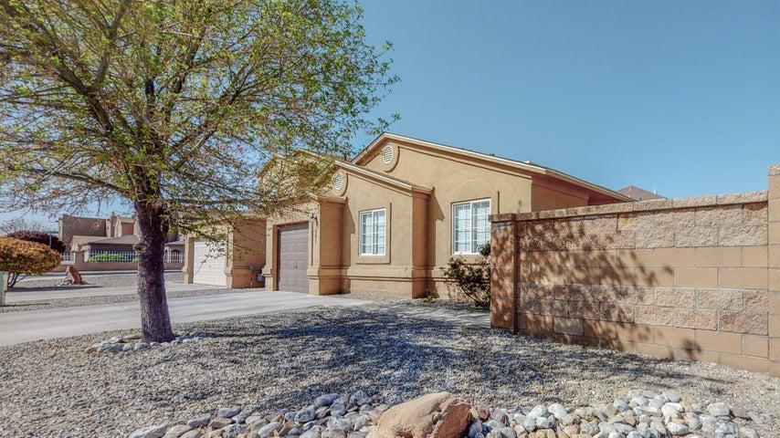 601 TORRETTA Drive SW, Albuquerque, NM 87121