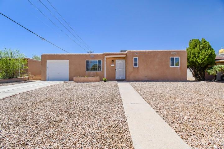 3321 CUERVO Drive NE, Albuquerque, NM 87110