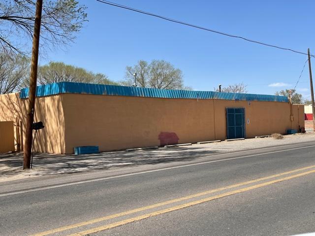 4531 ISLETA Boulevard SW, Albuquerque, NM 87105