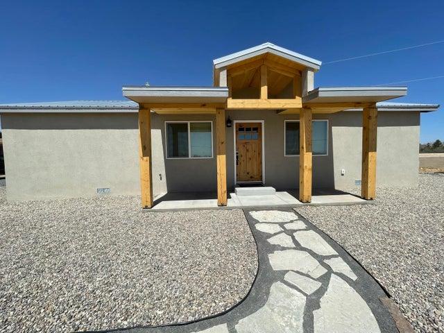 483 CANAL Boulevard SW, Los Lunas, NM 87031
