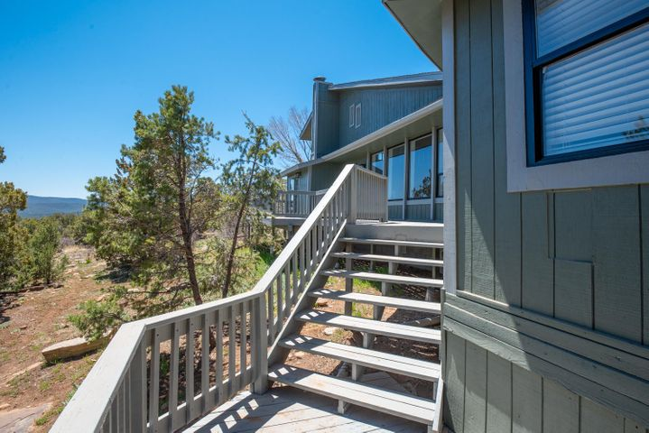 26 SIERRA VISTA Drive, Cedar Crest, NM 87008