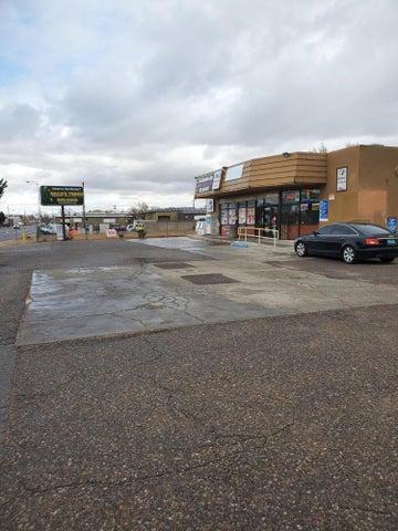 6130 EDITH Boulevard NE, Albuquerque, NM 87107