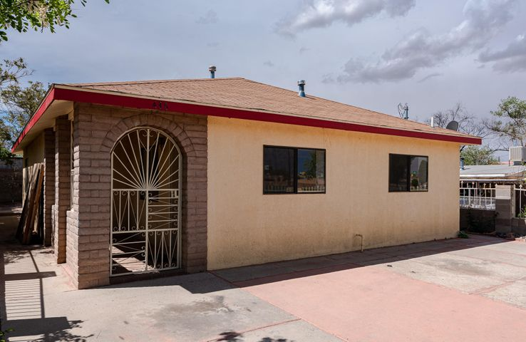 436 Hannett Avenue NE, Albuquerque, NM 87102