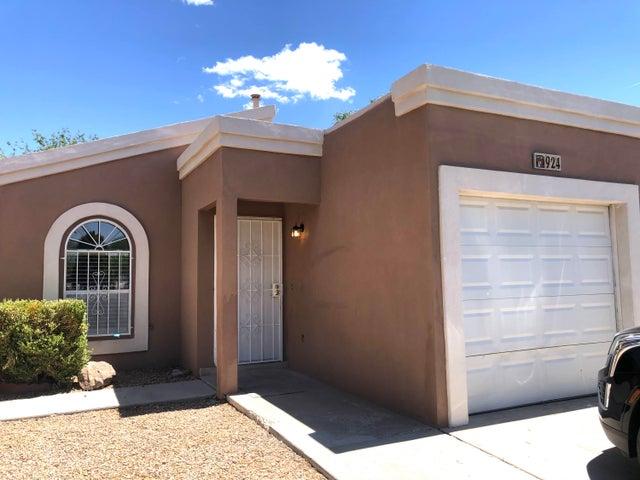 924 W SKY Street SW, Albuquerque, NM 87121