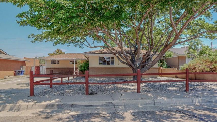 4209 HENDRIX Road NE, Albuquerque, NM 87110