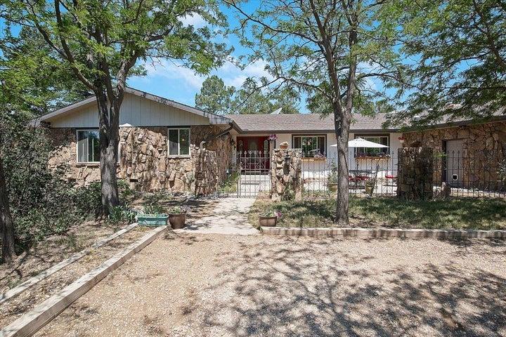 51 RANCH Road, Cedar Crest, NM 87008