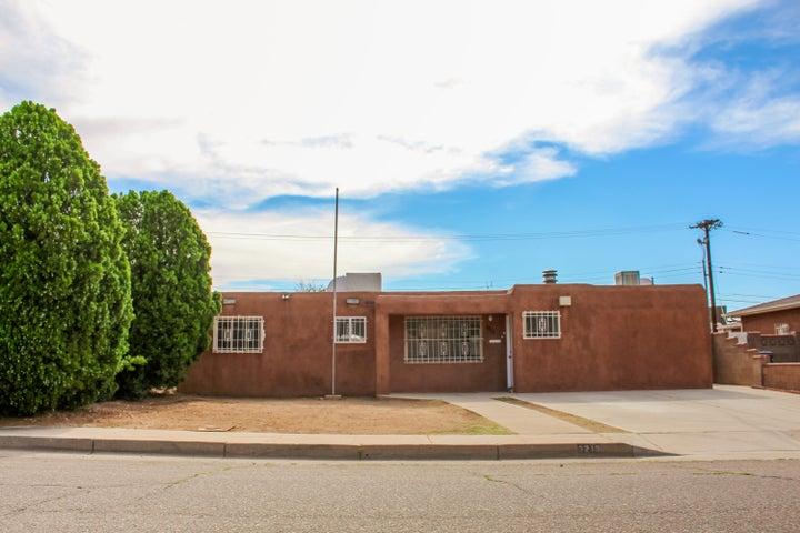 3213 Ortiz Drive NE, Albuquerque, NM 87110