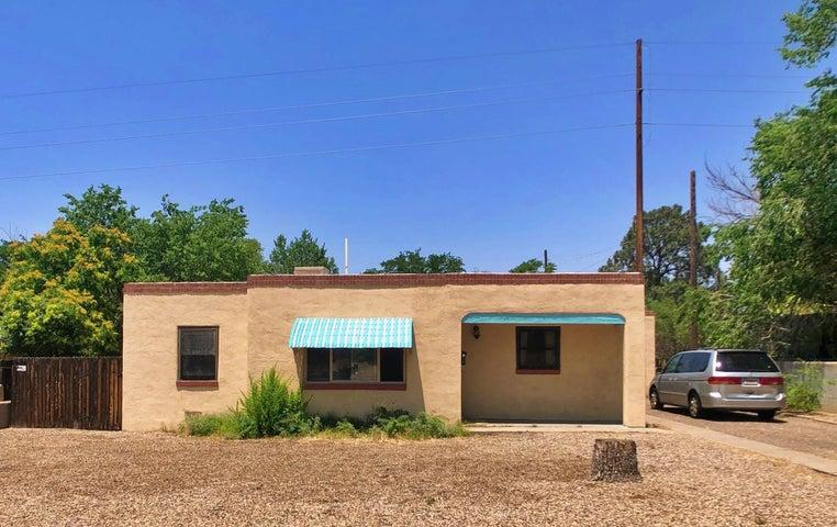 2709 McEarl Avenue SE, Albuquerque, NM 87106