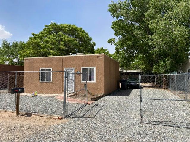 3123 CYPRESS Circle SW, Albuquerque, NM 87105