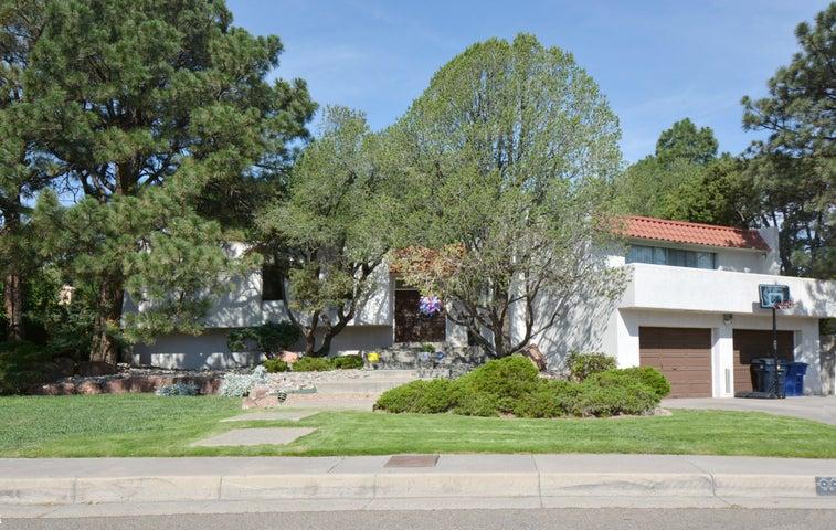 1713 NOTRE DAME Drive NE, Albuquerque, NM 87106