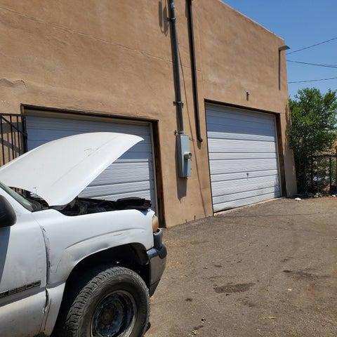 Albuquerque, NM 87106