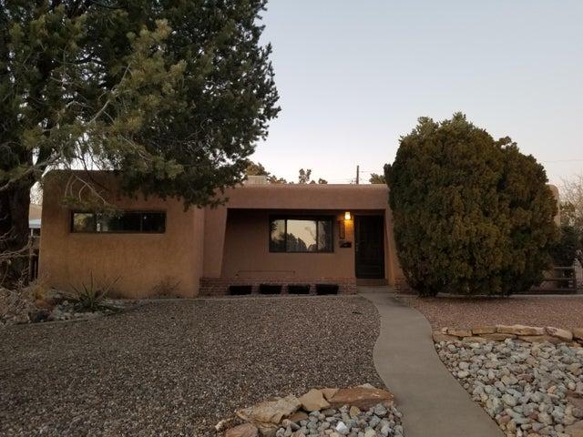 4721 Robin Avenue NE, Albuquerque, NM 87110