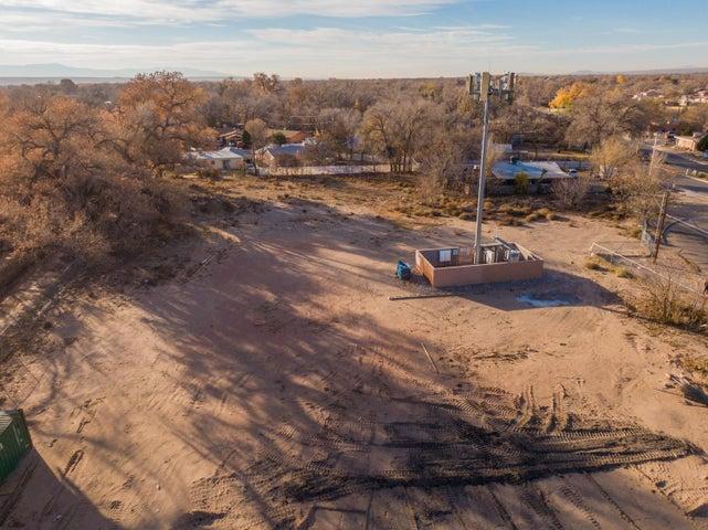 144 ATRISCO Place SW, Albuquerque, NM 87105