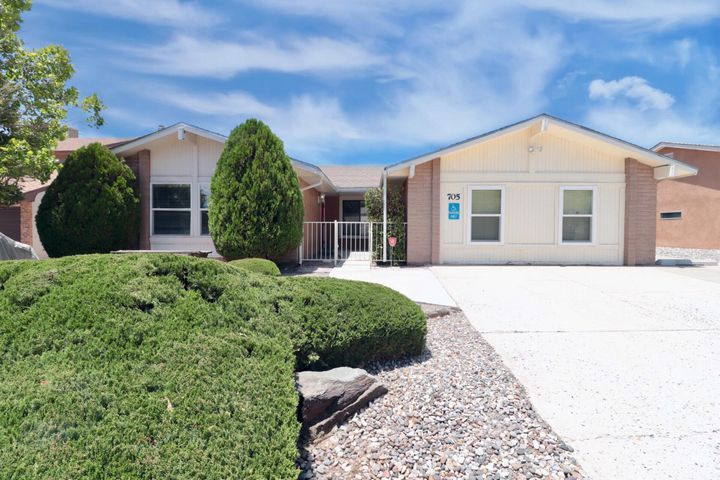 705 MONTE ALTO Drive NE, Albuquerque, NM 87123