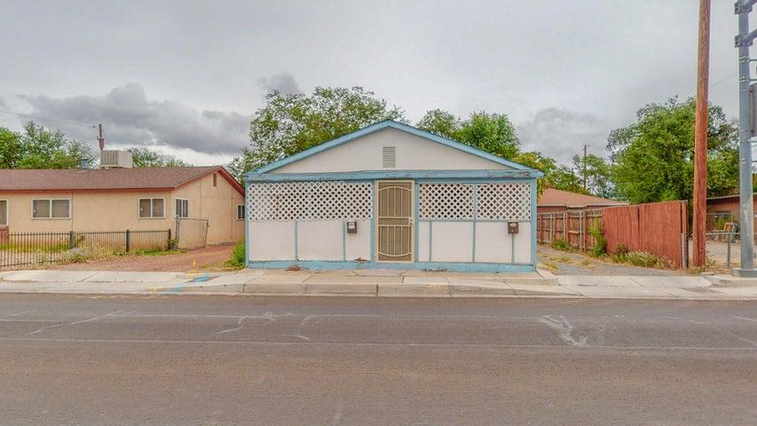 914 8th Street SW, Albuquerque, NM 87102