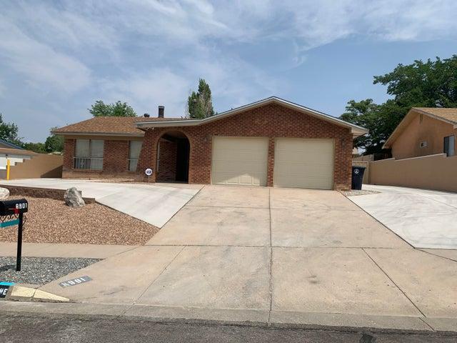 8901 ROUGH RIDER Road NE, Albuquerque, NM 87109