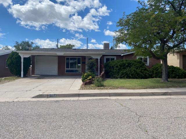 1033 MAXINE Street NE, Albuquerque, NM 87112