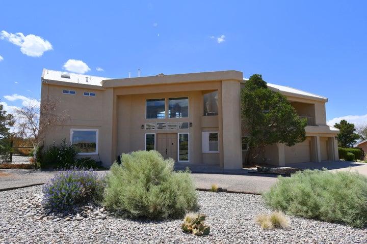 9770 ELENA Drive NE, Albuquerque, NM 87122