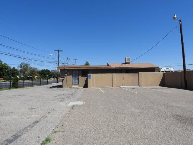7400 2ND Street NW, Albuquerque, NM 87107