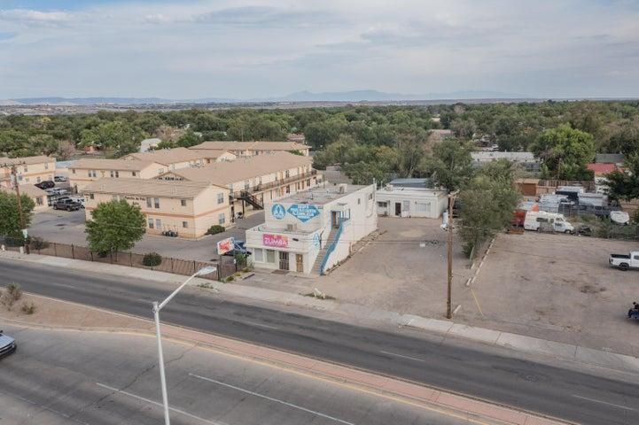 1650 BRIDGE Boulevard SW, Albuquerque, NM 87105