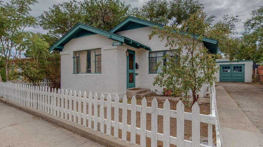 1006 ORCHARD Place NW, Albuquerque, NM 87102