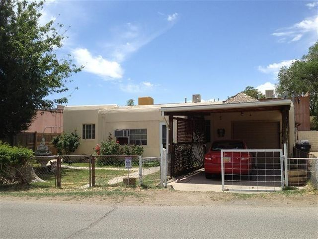 111 ORCHARD GARDEN Road SW, Albuquerque, NM 87105
