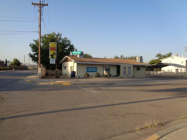 235 LOS LENTES Road NE, Los Lunas, NM 87031