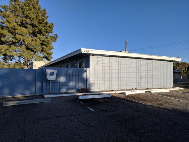 300 Charleston Street NE, Albuquerque, NM 87108