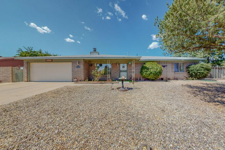 10013 CHANTILLY Road NW, Albuquerque, NM 87114