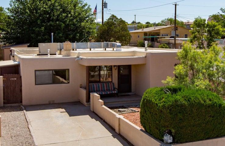 1520 Buena Vista Drive SE, Albuquerque, NM 87106