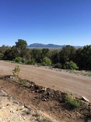 13 Las Nietas Court, Edgewood, NM 87015