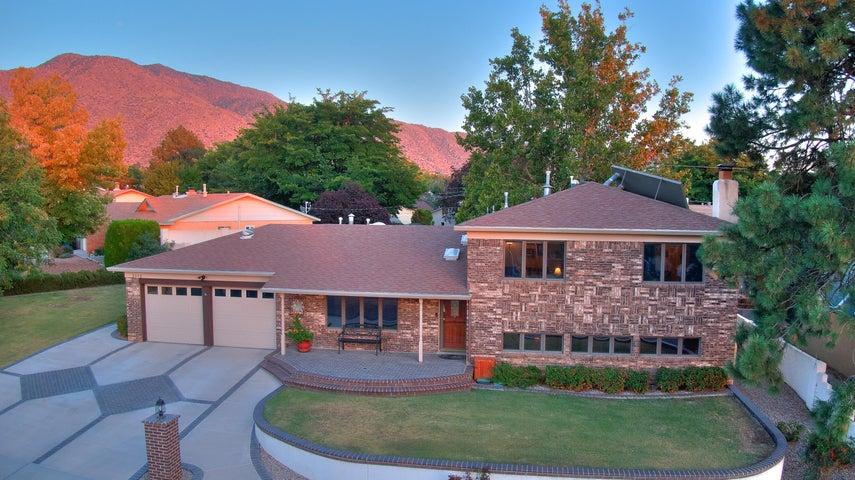 3312 BLACK HILLS Road NE, Albuquerque, NM 87111