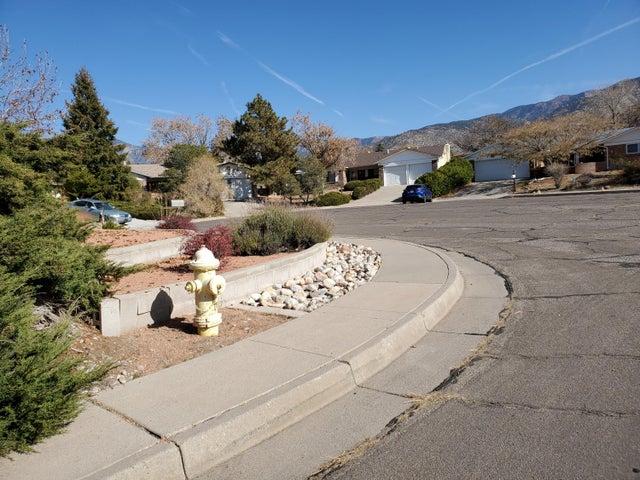 11519 Morocco Road NE, Albuquerque, NM 87111