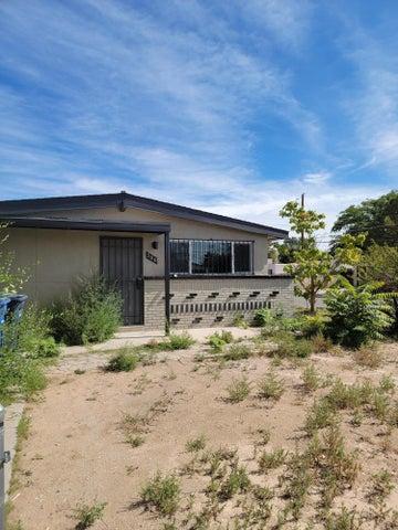 300 Moon Street NE, Albuquerque, NM 87123