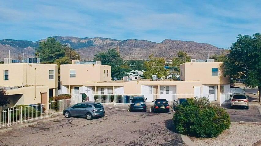 201 HANOSH Court SE, Albuquerque, NM 87123
