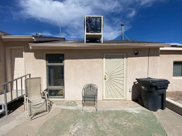 942 ANTHONY Lane SW, B, Albuquerque, NM 87105
