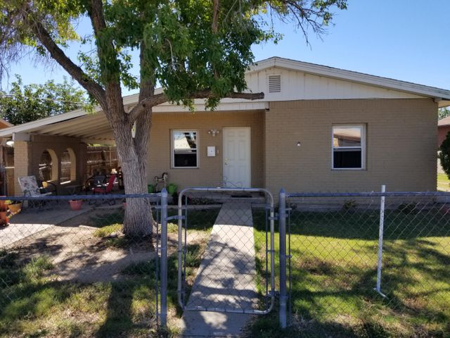 Great little house with unlimited potential.  Updates include newer carpet, updated kitchen cabinets, tankless water heater, new windows, and refrigerated air. Centrally located in Belen on a quiet street with easy access to Interstate.