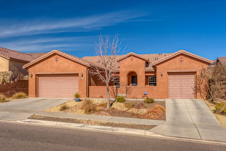 Welcome Home! This immaculate gem is on an over-sized lot in the highly-sought community of Loma Colorado.  This large, energy efficient, and well laid out floor plan boasts: 5 bedrooms, 3 baths, split 3-car garage, and a massive courtyard.  Natural light abounds via 4 custom Vellux solar tubes.  Large kitchen with oversizedmaple cabinets and beautiful extended-length granite counter tops.  Custom stone veneer fireplace and 7 speaker in-ceiling surround sound in family room.  DurableAmerican-made Shaw engineered wood flooring in bedrooms.  Private master suite has a separate garden tub/shower and a large walk-in closet.  Relax in privacy amongst the $20K custom landscaped backyard! There's no need to look any further- schedule your viewing today as this home is priced to move!!