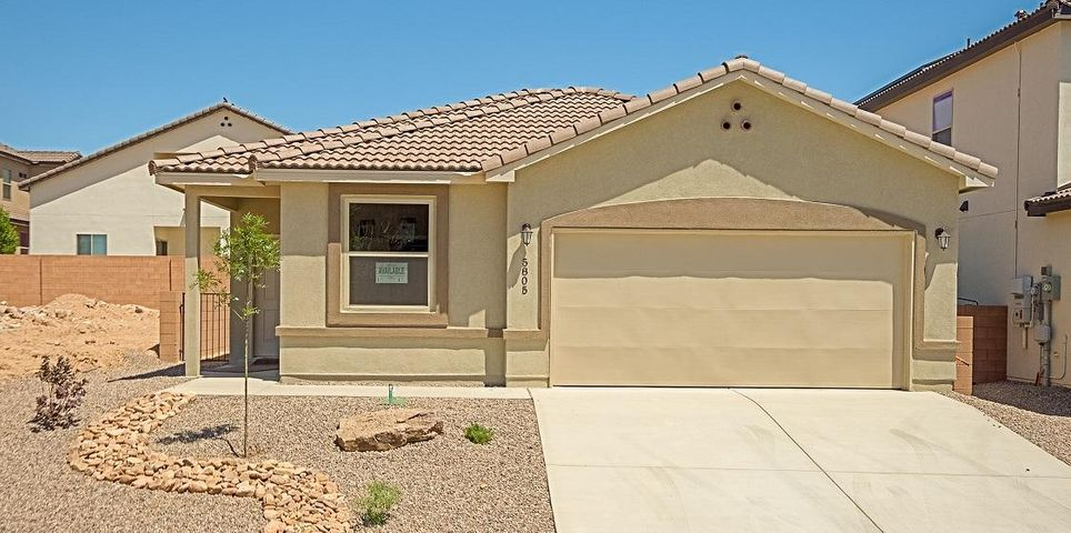 Welcome home! Paradise view community. New tile roof with gorgeous outside entry landscaping. Granite kitchen counter tops with antique white finish cabinets. This home is equipped with exclusive Green Smart energy efficiency package. Single story home, Master features upgraded fixtures, garden tub, walk-in-closet. Family room connects to nook and open kitchen. Tile wood looking floors, cultured marble in Master bath. Fully custom made, great quality northwest home! Come make it yours today!!
