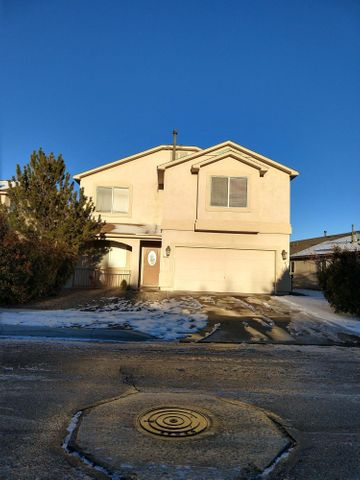 An Amazing 2-Story Home that has an open floor plan with 3 bedrooms, 2 full baths & 2 car garage. This beautiful home features a large updated kitchen with newer stainless steel kitchen appliances, granite countertop, tile backsplash, kitchen island, breakfast nook, pantry and access to the backyard. The huge loft has a deck that showcases great views. The lavish master bedroom has a built in entertainment center, fireplace and spacious walk-in closet. Master bath with double sink and jetted tub. Grab the opportunity for this amazing home to be yours.