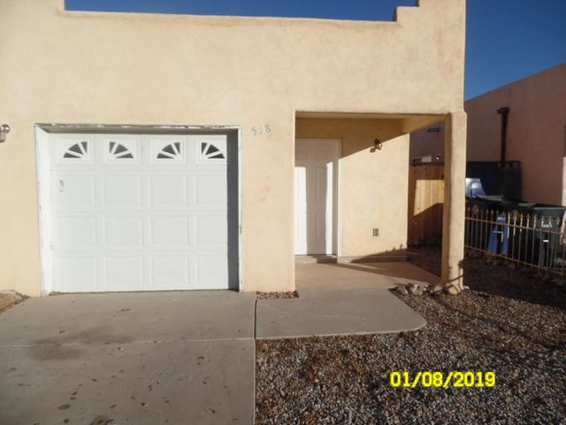 Nice light and open townhome with small back yard and attached 1 car garage.  Large master suite includes walk in closet.  Kitchen opens to LR/DR.  Interior cleaned and ready to move into.