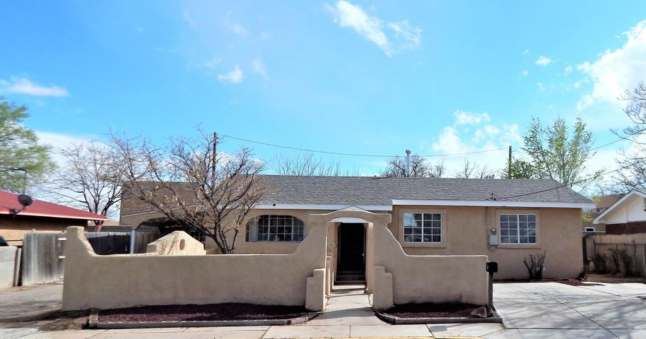 Great 4 bedroom home in the heart of Los Lunas. Totally remodeled with new roof, stucco, HVAC unit, carpet, paint & appliances. Two living area, both bathrooms, hallways & kitchen all with new tile floors. Huge & bright floor plan with lots of space. Close to schools, shopping, restaurants & transportation. Thank you for showing.