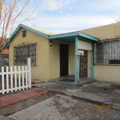 Great investment opportunity with lots of sq footage. Heated and unheated  areas totaling in 2053 Sq ft (see floor plan), on a  cul de sac, close to downtown, restaurants,  schools and entertainment.This property is for sale as is.