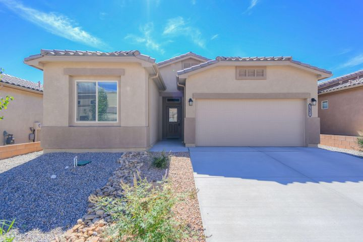 Why wait to build when you can make this beautiful, like new, DR Horton beauty yours? This great Columbia ll floorplan features 1,575sf with 3 bedrooms, 2 full bathrooms and a 2 car garage. Beautiful kitchen with upgraded espresso cabinetry, granite countertops, mosaic backsplash, stainless steel appliances, pantry and a huge island with seating space. Dining right off of the kitchen! Spacious living area open to the kitchen. Inviting master suite with spa like bath. Bath hosts dual sinks with an over sized vanity, a relaxing garden tub, walk-in shower and closet with built ins! Enjoy the private backyard that is fully walled with a covered patio!