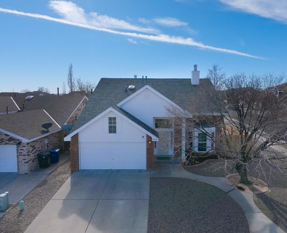 Fantastic 3 Bedroom 2.5 Bath Brick Sivage Thomas in Congress Heights! M/B on 1st floor with A/C and Solar Panels! Large corner lot in great Paradise Hills location. Easy access to Paseo!Come see this beautiful open floor plan from the kitchen to living room and two dining areas. Master bedroom downstairs with double fireplace, garden tub, separate shower and double sink vanity.Upstairs opens to great loft area for the perfect game room or office. Enjoy the balcony off the loft with wet bar area. Upstairs has two nice sized bedrooms and full bath with dual sink vanity also.Hurry to see this one and make it your New Home!