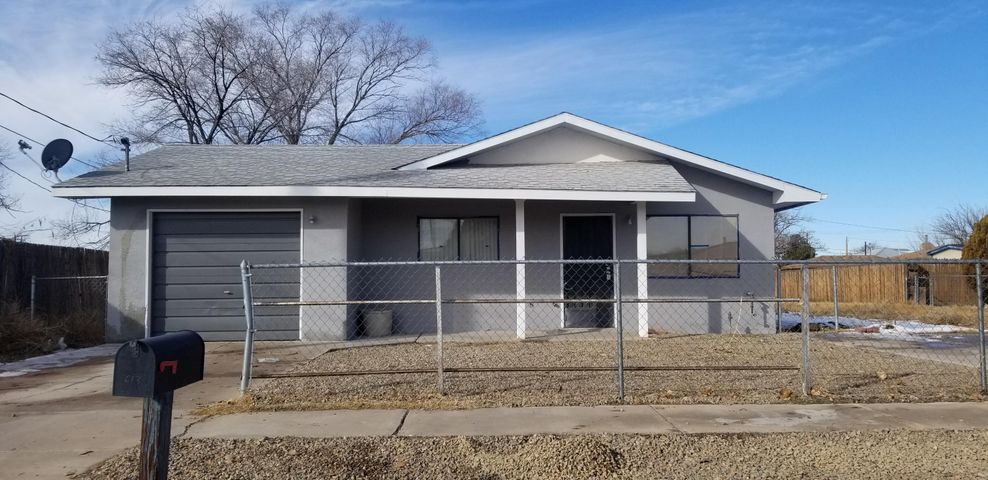 Newly remolded home located in the heart of Belen. Large lot completely finced in. New Carpet, tile, appliances and more. This is a beautiful home with great ptintial.